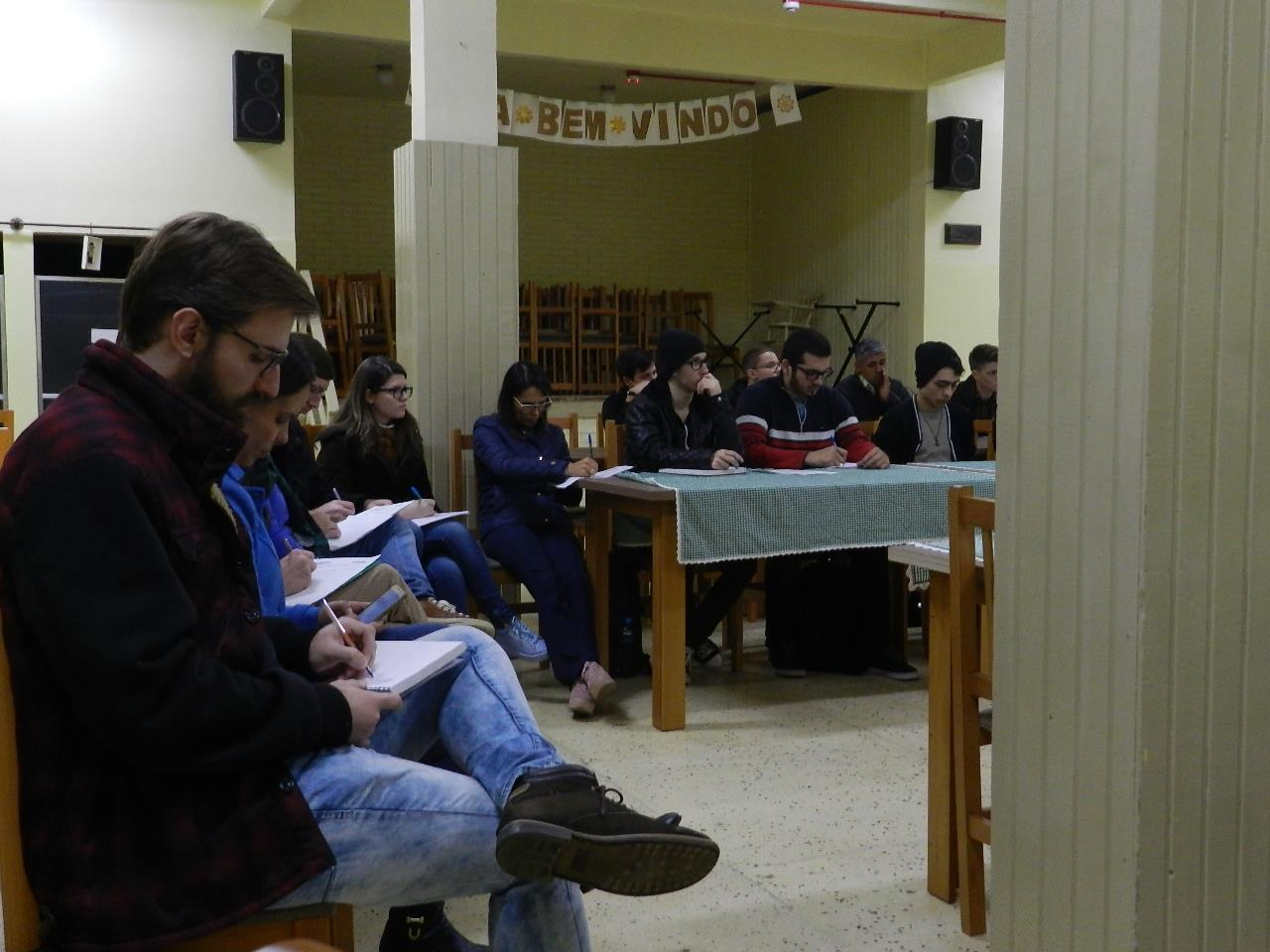 Acadêmicos da Faculdade IENH visitam Casa João Bosco