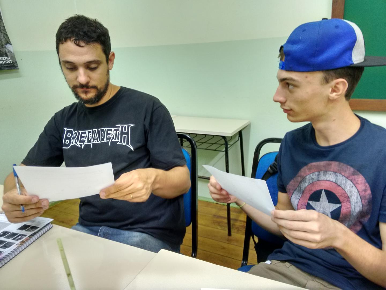 Alunos do 1º semestre de Inglês desenvolvem a fala na IENH Idiomas
