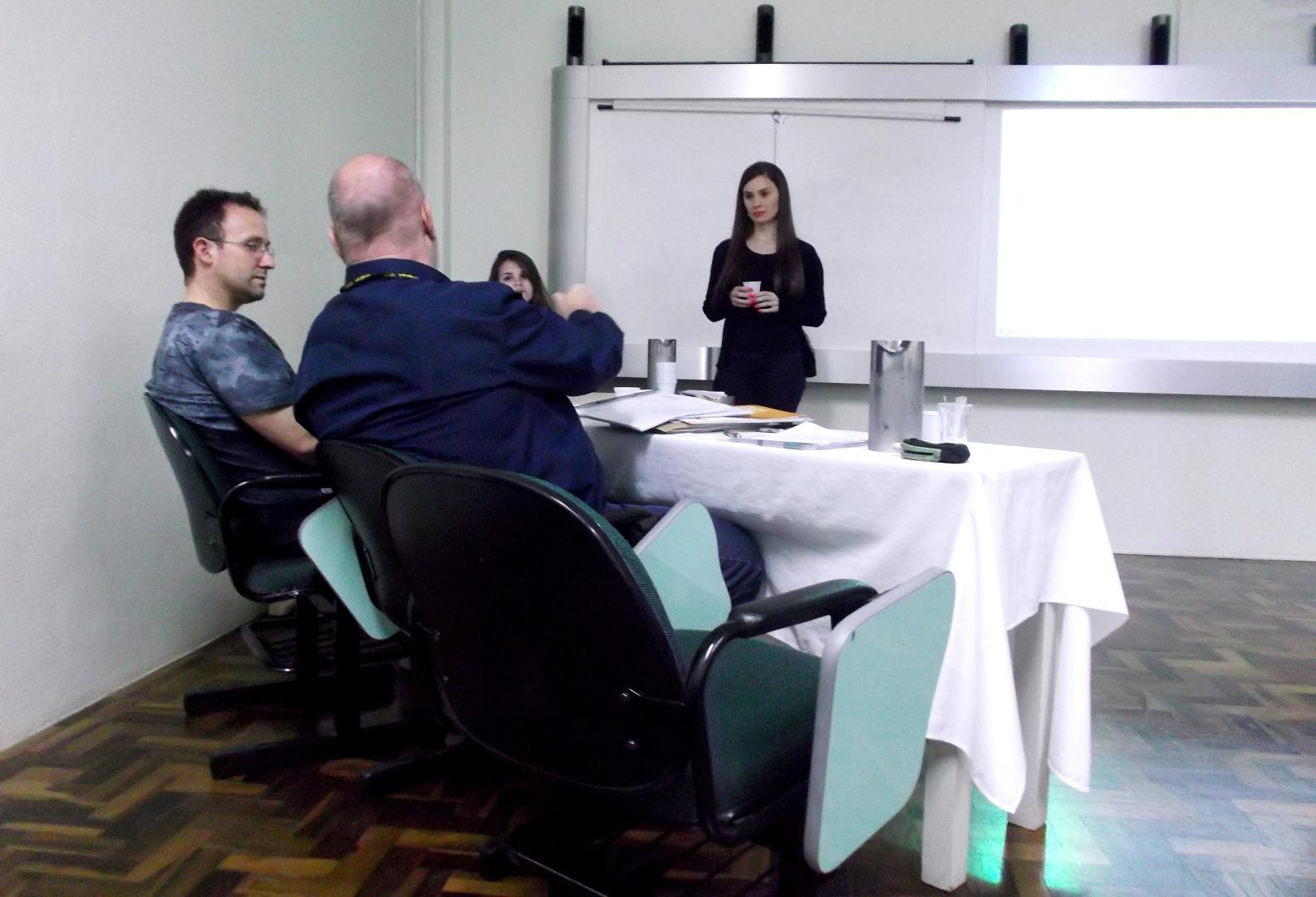 Alunos dos Cursos Técnicos da IENH apresentam TCCs