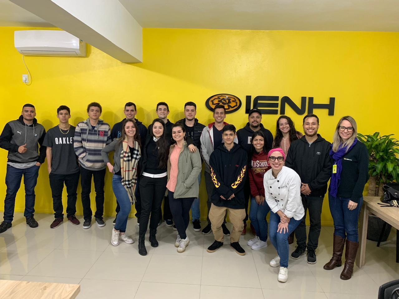 Atividade culinária promove vivência em gestão aos alunos dos Cursos Técnicos IENH