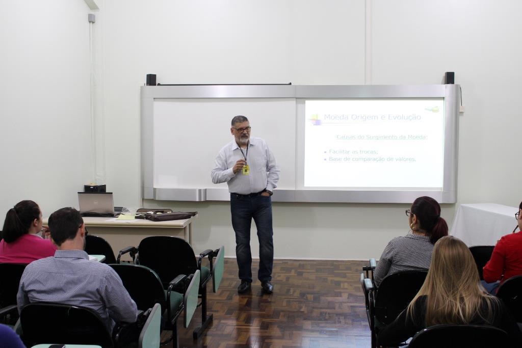 Câmbio no Brasil é tema de evento gratuito na IENH