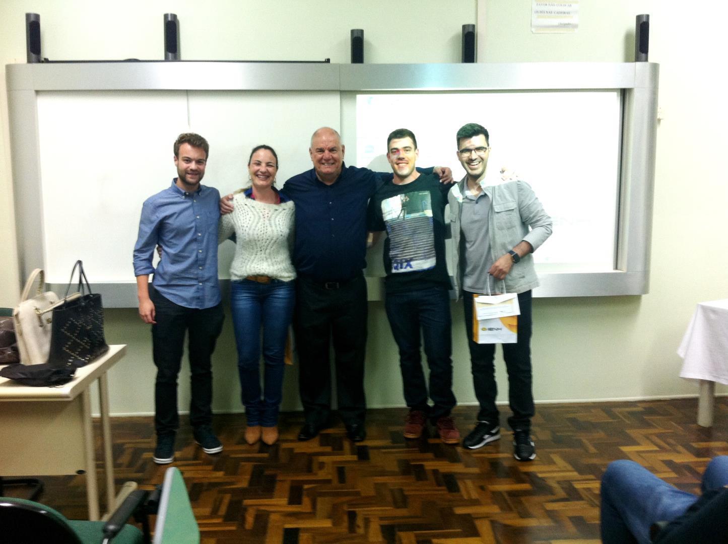 Consultores da Resilient Desenvolvimento de Negócios palestram para alunos da IENH