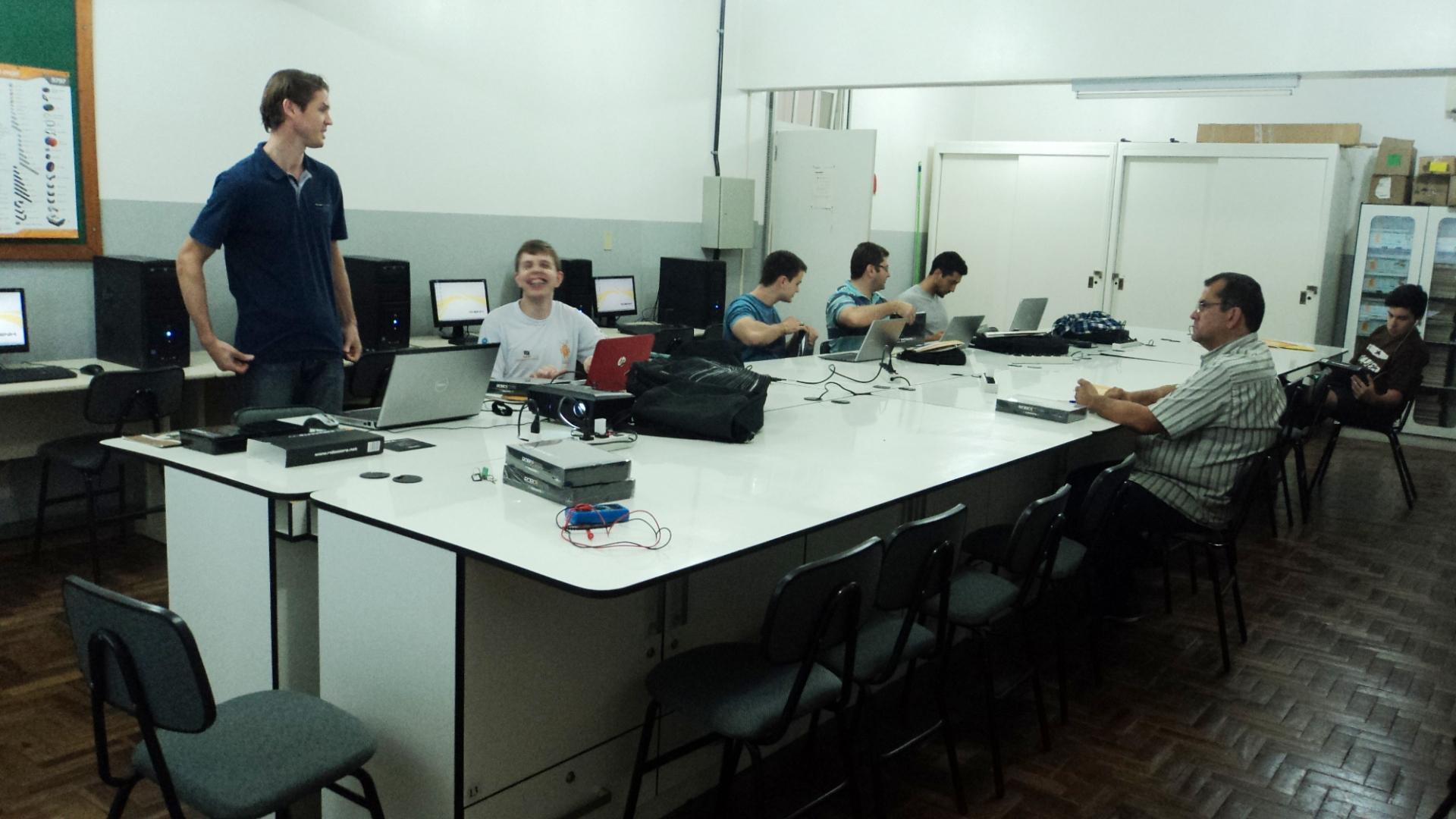 Curso de Extensão em Arduino inicia na IENH