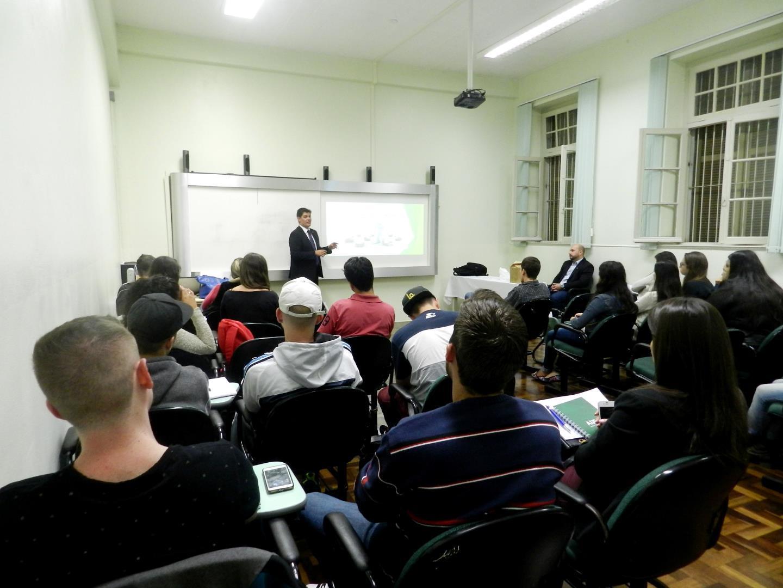 Curso Técnico promove aula gratuita sobre aposentadoria