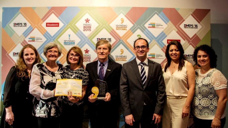 Dois projetos da IENH são premiados no 10º Prêmio de Responsabilidade Social do SINEPE
