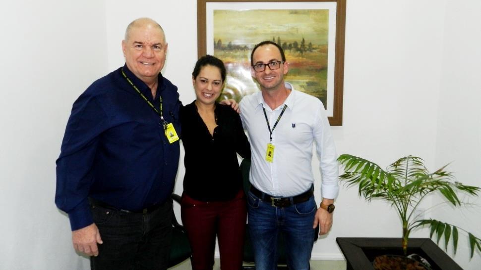 Empresária e Egressa do Curso Técnico em Comércio Exterior conversa com alunos da IENH