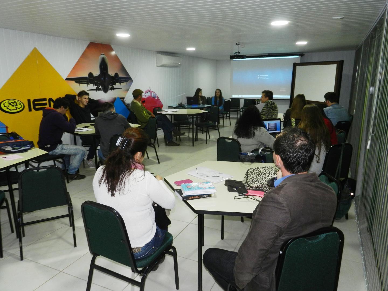Estudantes de Comércio Exterior produzem vídeos sobre temas que trabalharão em Exportação 2