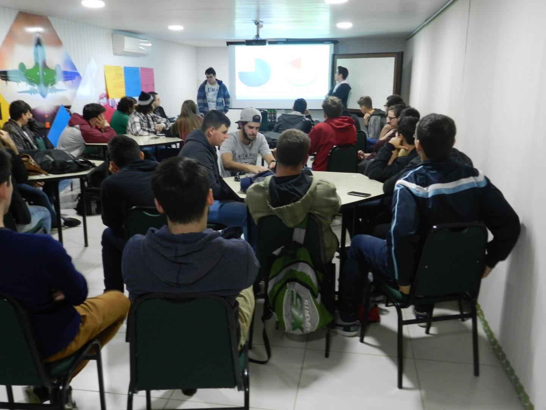 Estudantes do Curso Técnico em Informática apresentam projetos interdisciplinares