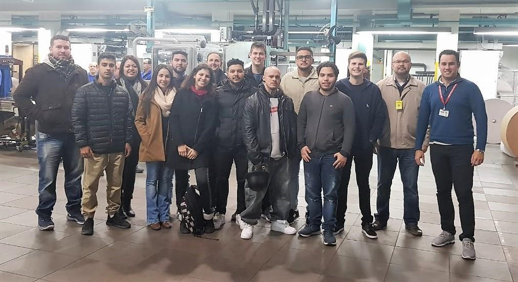 Estudantes do Curso Técnico em Logística visitam o parque gráfico do Grupo Sinos