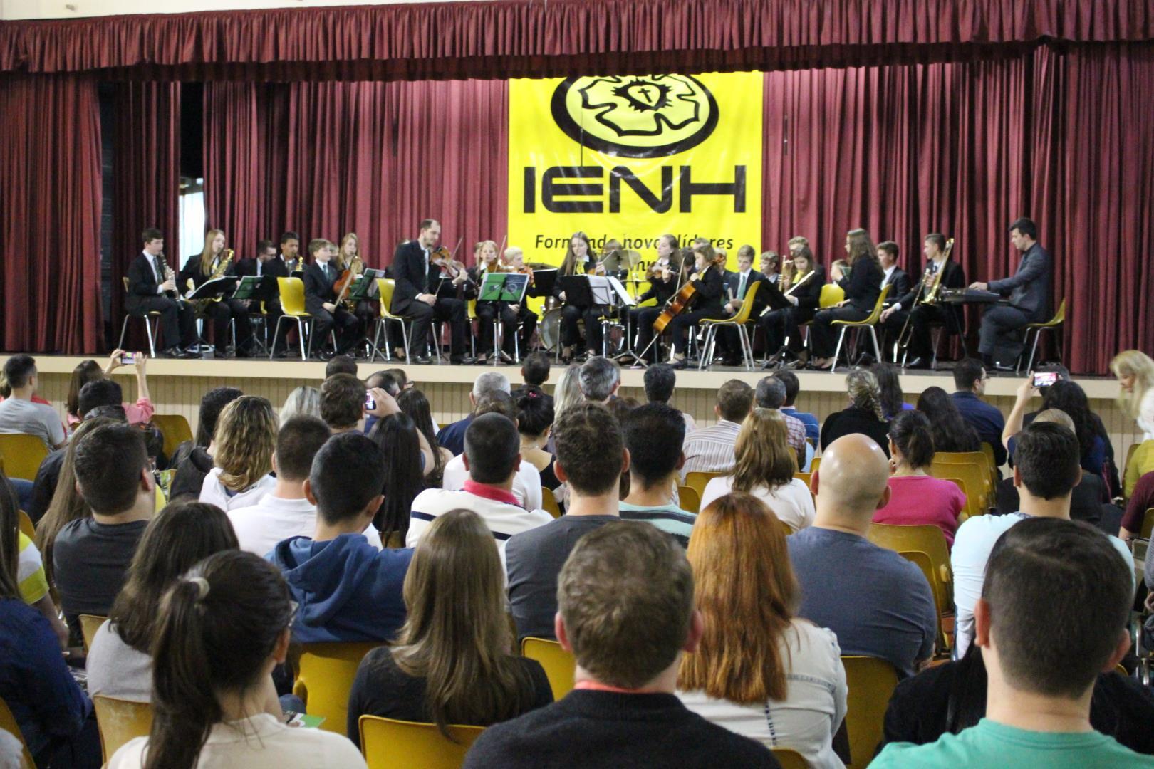Faculdade IENH comemora 10 anos com concerto musical