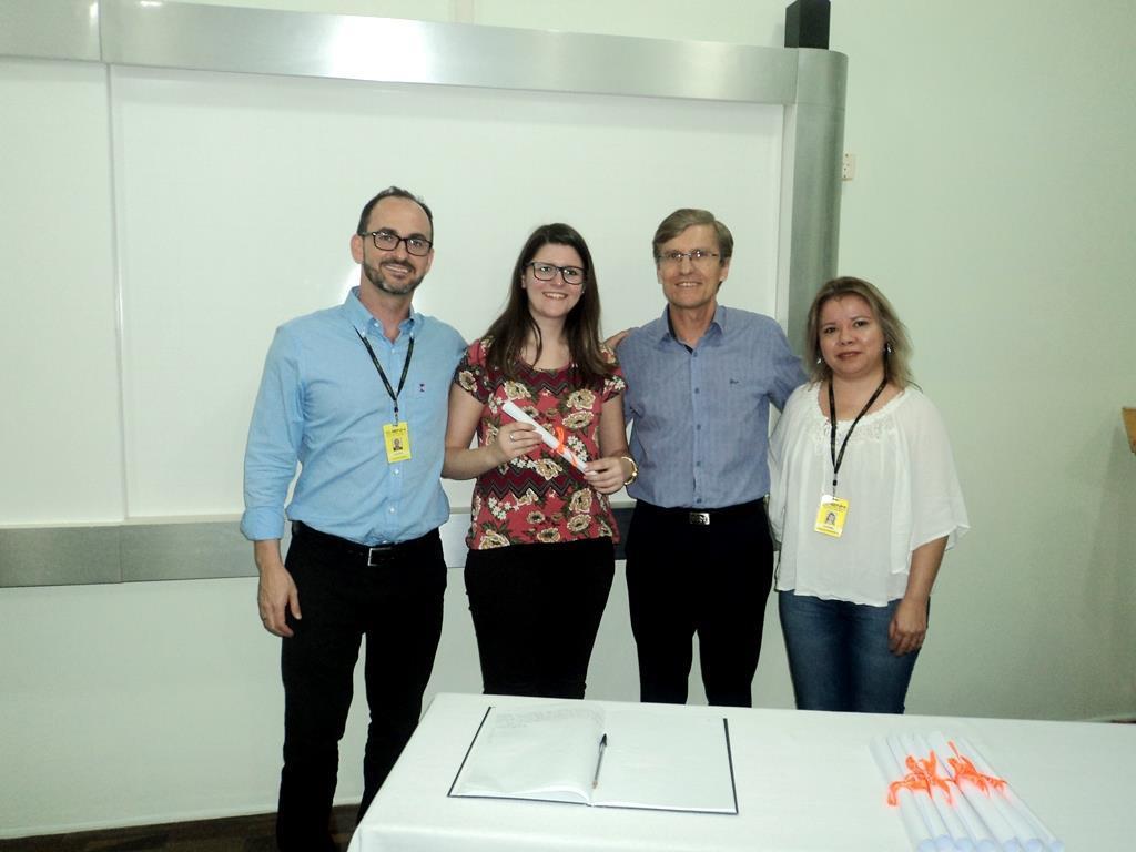 Formandos da Especialização Técnica em Recursos Humanos recebem certificados na IENH