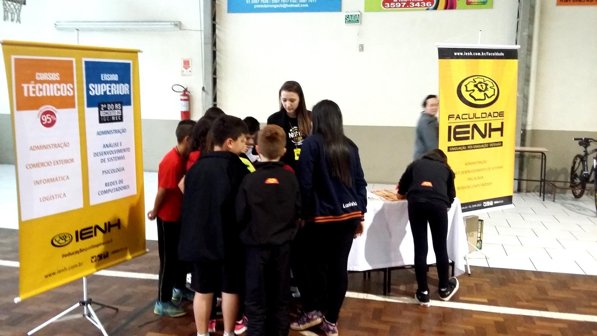 IENH participa da Feira de Projetos do Colégio Tiradentes