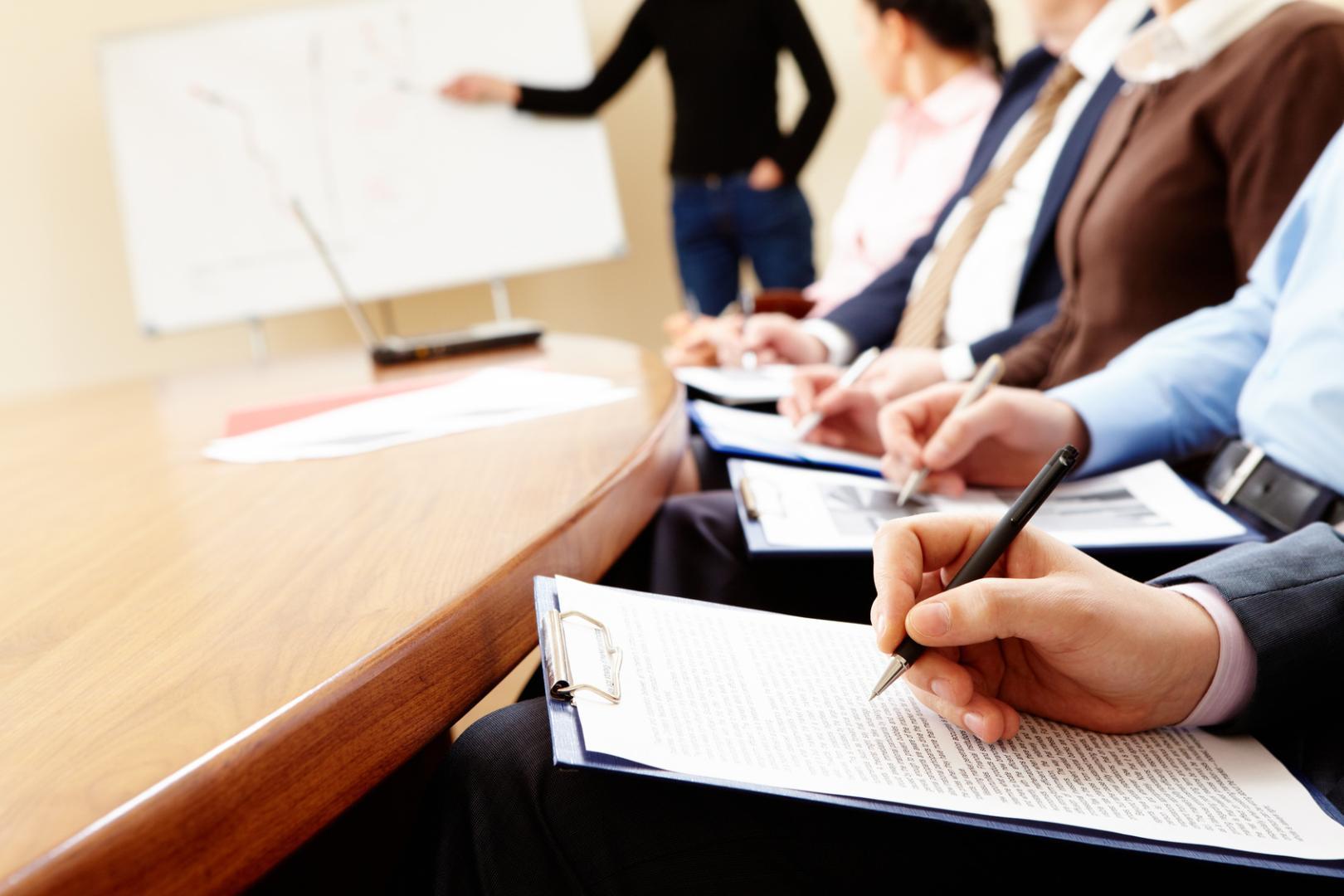 IENH promove capacitações gratuitas de administração
