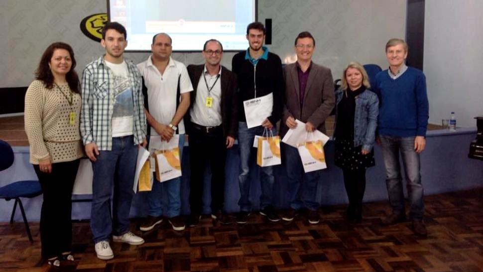 IENH promove mesa redonda sobre globalização com representantes de quatro países