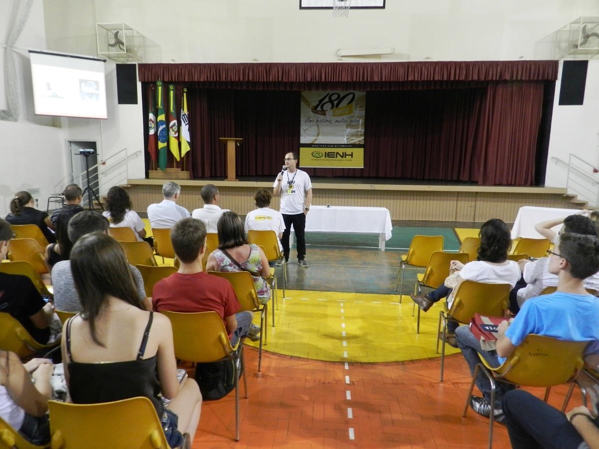 Cursos Técnicos e Faculdade IENH iniciam atividades