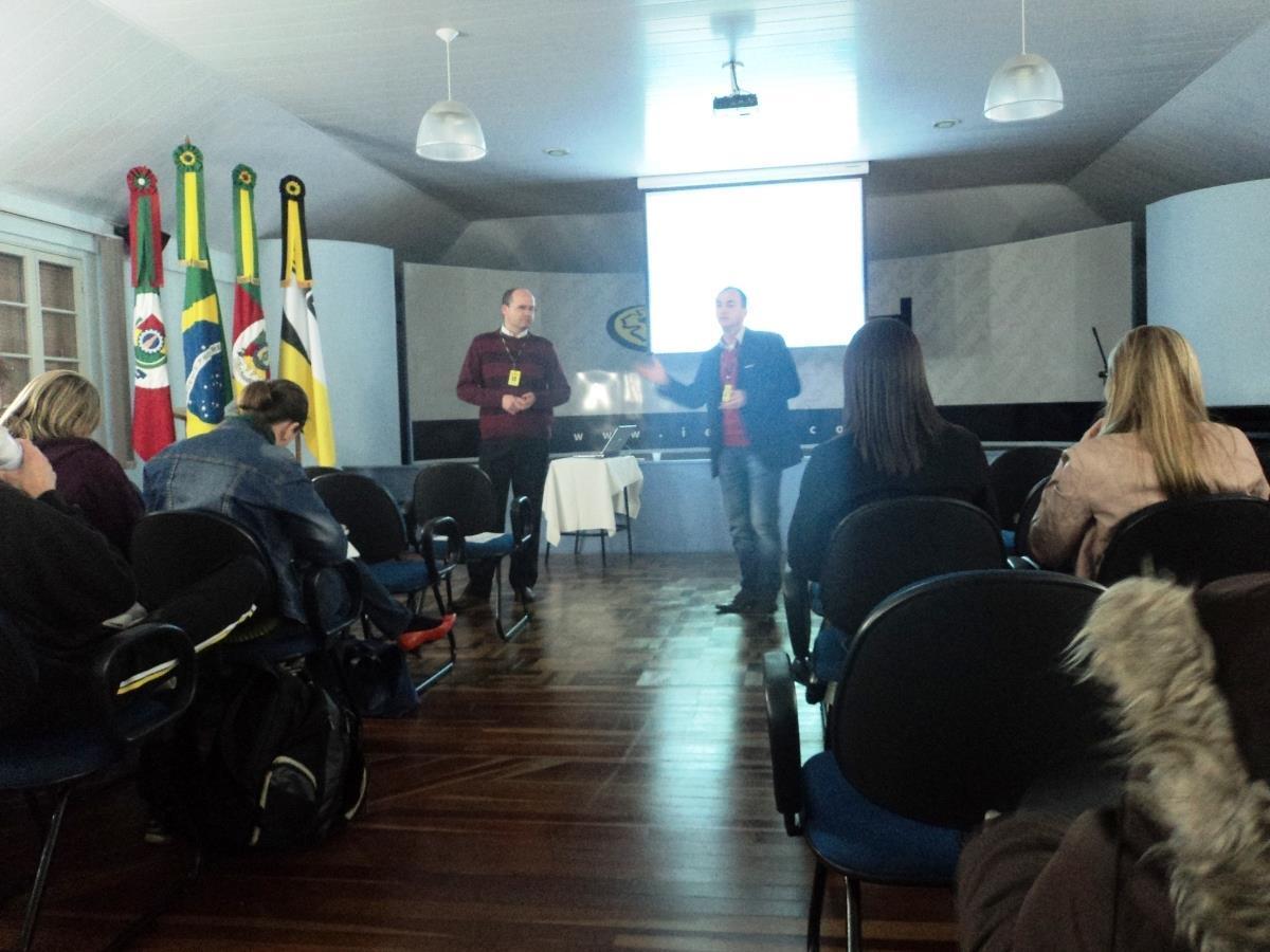 Estudantes dos Cursos Técnicos da IENH participam de Painel do Empreendedor