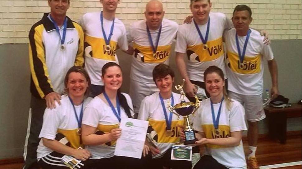 Colaboradores da IENH são Campeões no Torneio Esportivo SINPRO