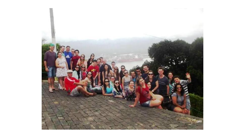 Estudantes dos Cursos Técnicos e da Faculdade IENH realizam visita ao Porto de Santos