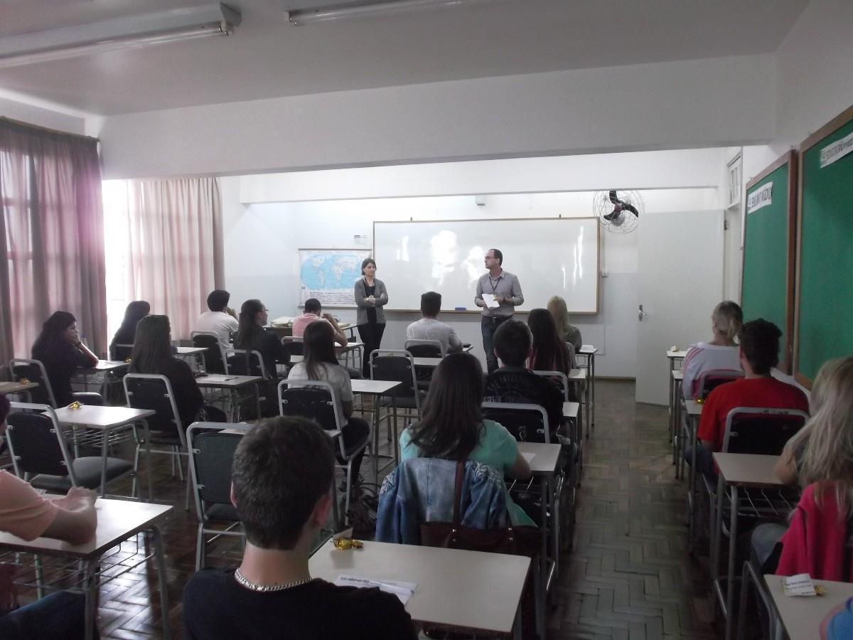 Prova de Bolsas de Estudos para os Cursos Técnicos da IENH