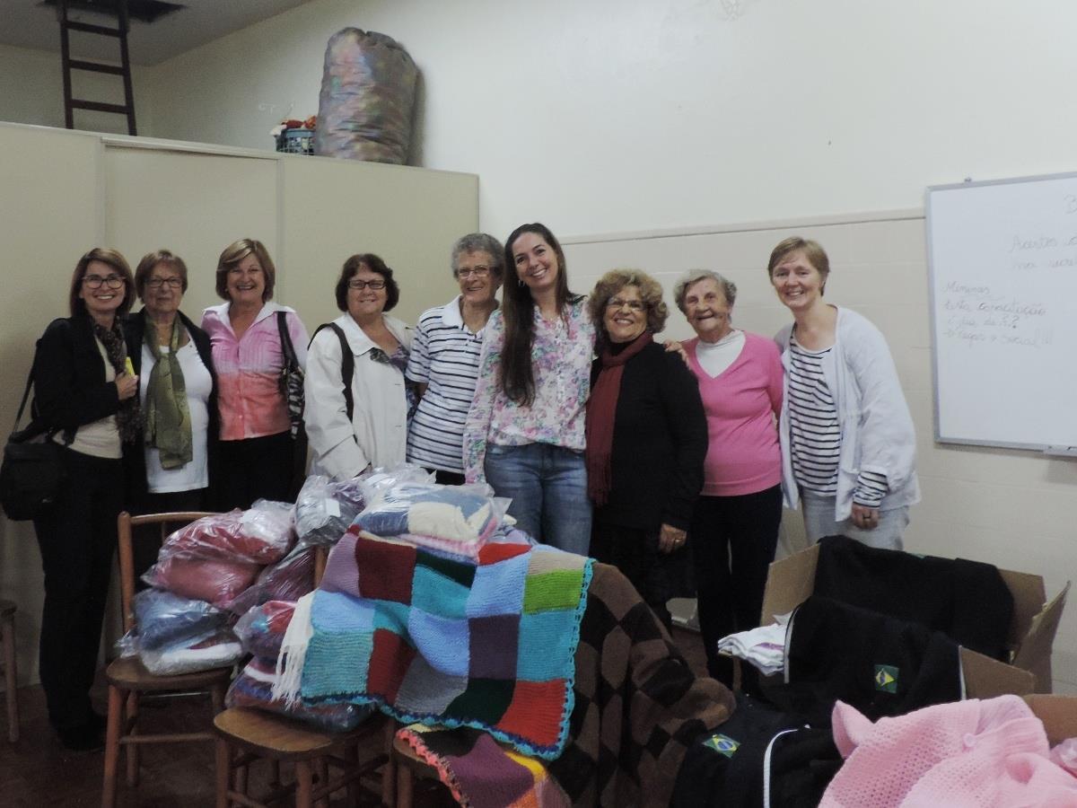 Grupo ELLOS entrega doações à ABEFI