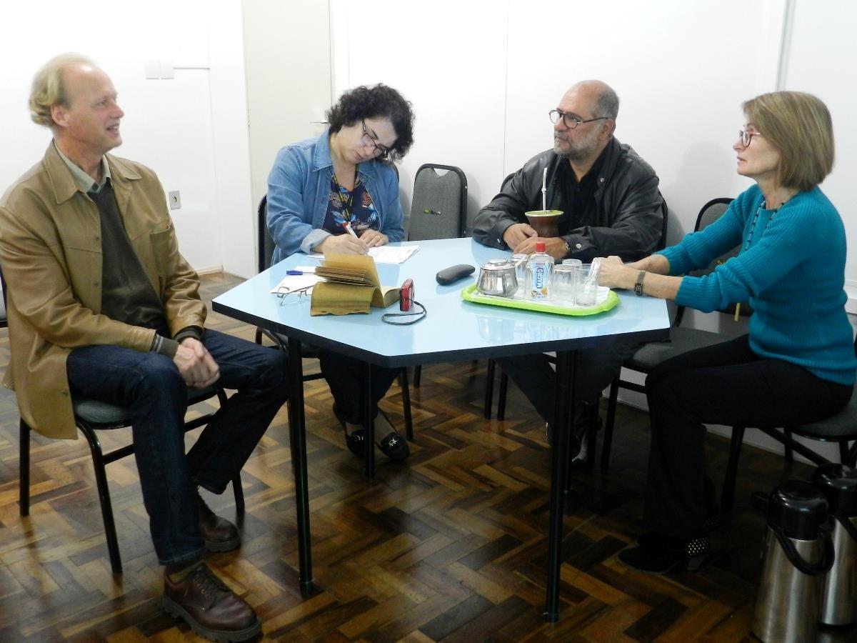 Integrantes do Projeto Gota D'água se reúnem
