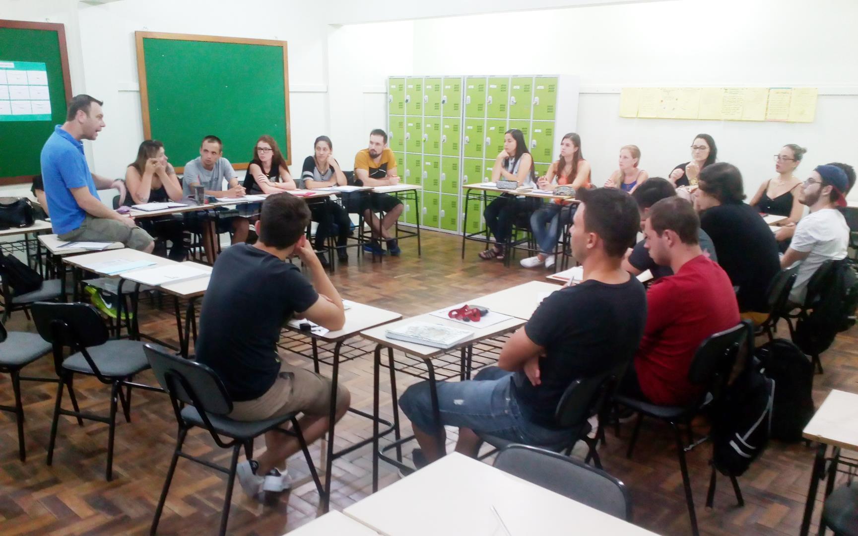 Palestra sobre Comércio Exterior com ex-aluno da IENH