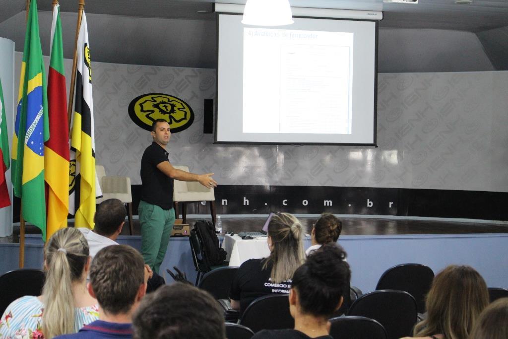 Processo de importação é tema de palestra nos Cursos Técnicos da IENH