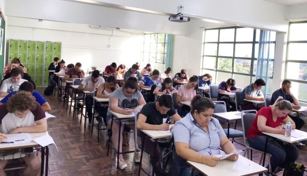 Provas para Bolsas de Estudo dos Cursos Técnicos acontecem na IENH