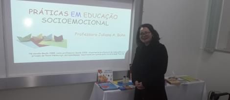 Desenvolvimento socioemocional é discutido em Curso de Extensão