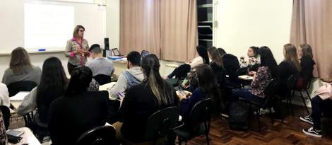 Evento gratuito sobre argumentação na escrita de textos é promovido na IENH