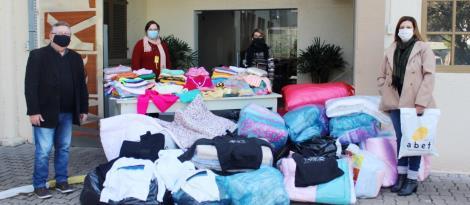 Grupo Ellos doa mais de 1700 peças de roupas e cobertas para a ABEFI