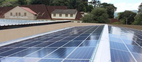 IENH inaugura sistema de geração de energia solar fotovoltaica na Unidade Fundação Evangélica