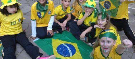Torcida Brasileira na Unidade Oswaldo Cruz