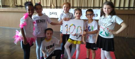 Turmas da IENH participam de imersão na língua inglesa para comemorar os 100 dias de aula