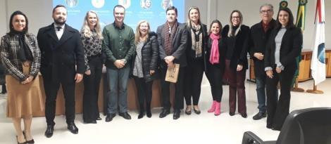 Vice-Diretora do Ensino Superior da IENH participa de evento na OAB de Novo Hamburgo